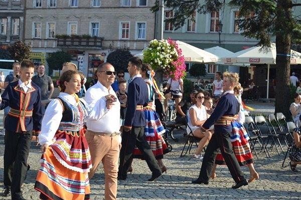 Polonez inauguracyjny – Główny dzień Festiwalowy – SOBOTA – III Festiwal Trzech Kultur